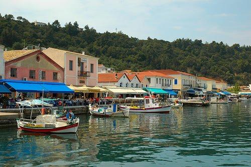http://visitkatakolon.gr/wp-content/uploads/2014/06/Katakolon-Waterfront-1.jpg